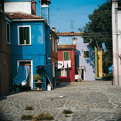 Farbe in der Architektur farbige Häuserwände in Burano