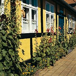 Farbigkeit in der Architektur am Beispiel Bornholm